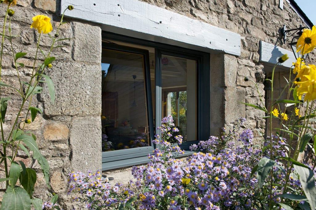 Fenêtre oscillobattante vantaux mixte alu / bois