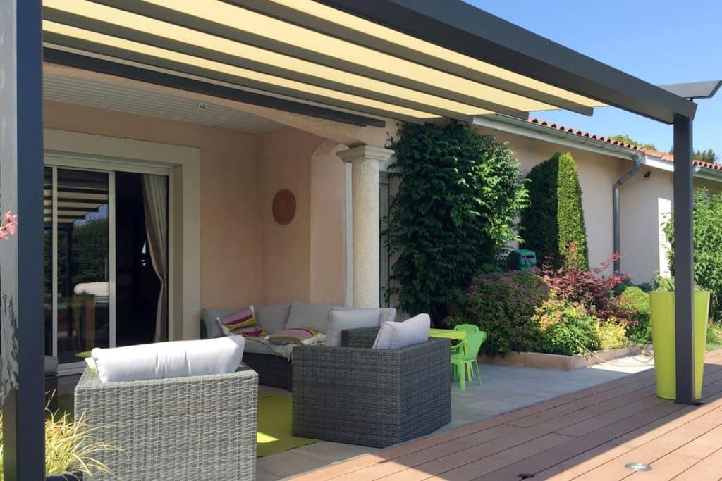 Toile pergola finest toile duombrage sur ma terrasse bois - Pergola toile enroulable ...
