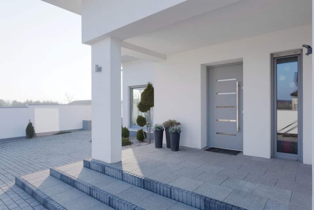 Porte d'entrée aluminium contemporaine grise