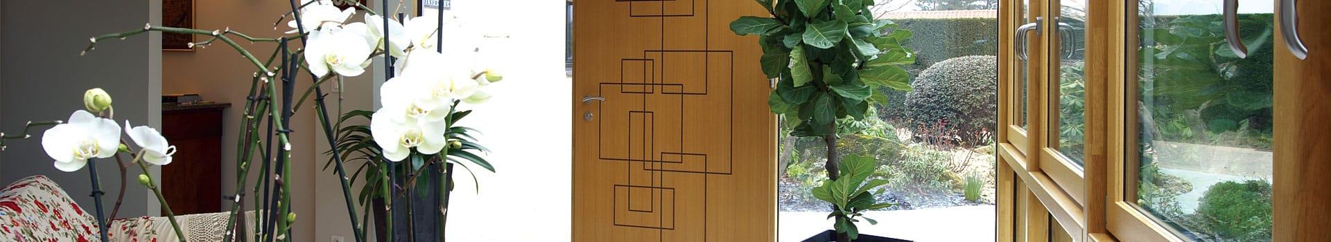 Porte d'entrée bandeau