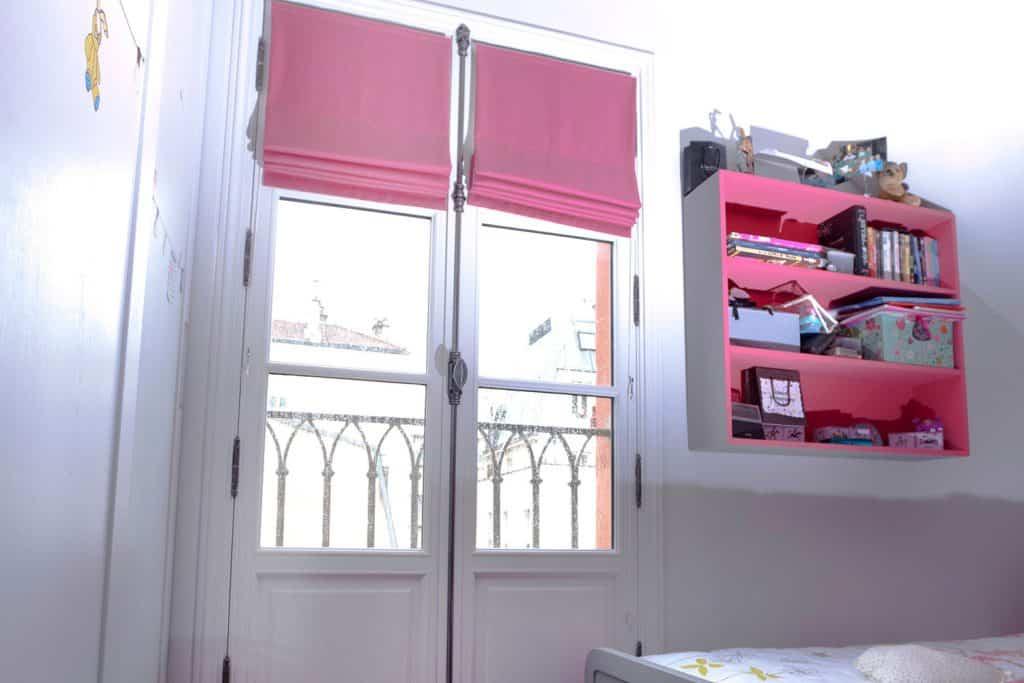 Porte-fenêtre boise vantaux chambre
