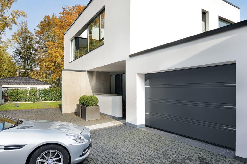Porte garage sectionnelle acier