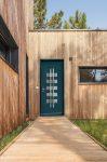 Porte d'entrée anthracite maison bois